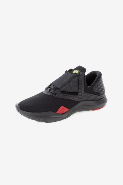 Jordan Relentless 	Black/Red/Yellow