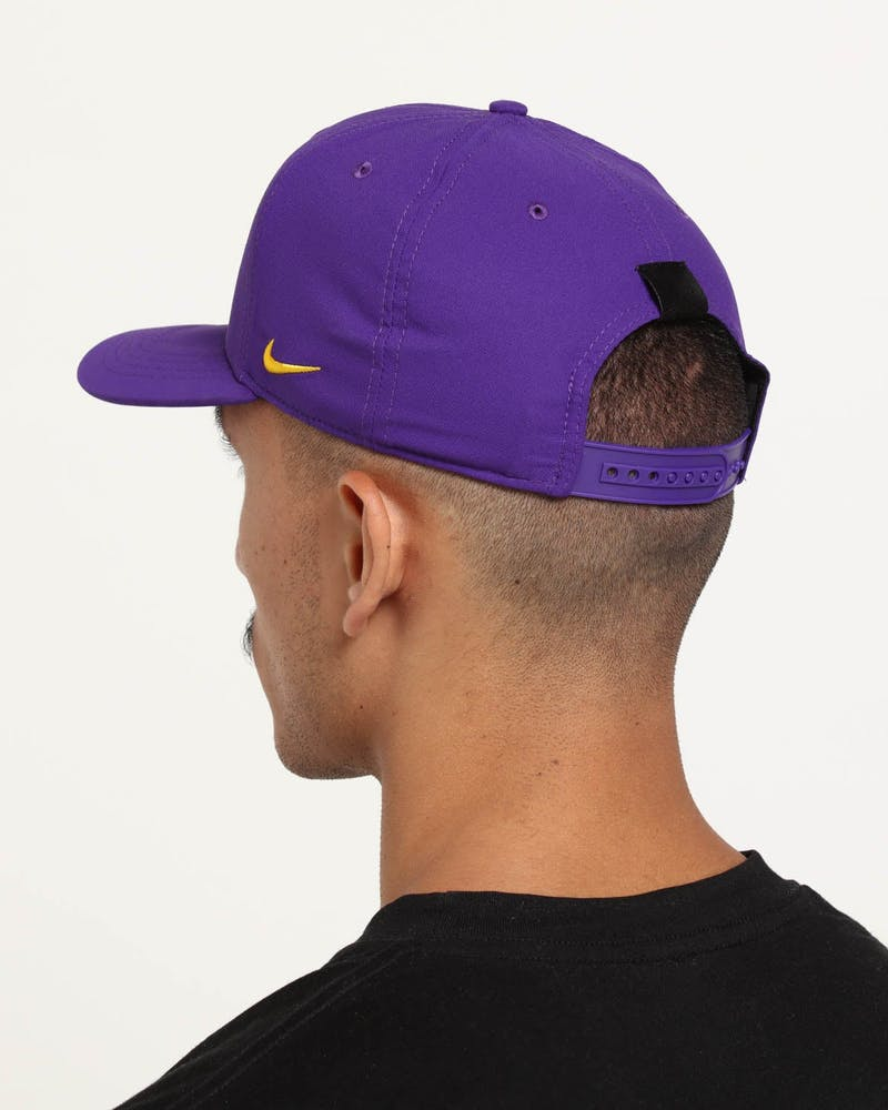 Nike Los Angeles Lakers City Edition Dry Arobill Classic99 Snapback Purple