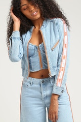 NANA JUDY WOMEN'S CHARLOTTE DENIM JACKET PALE INDIGO