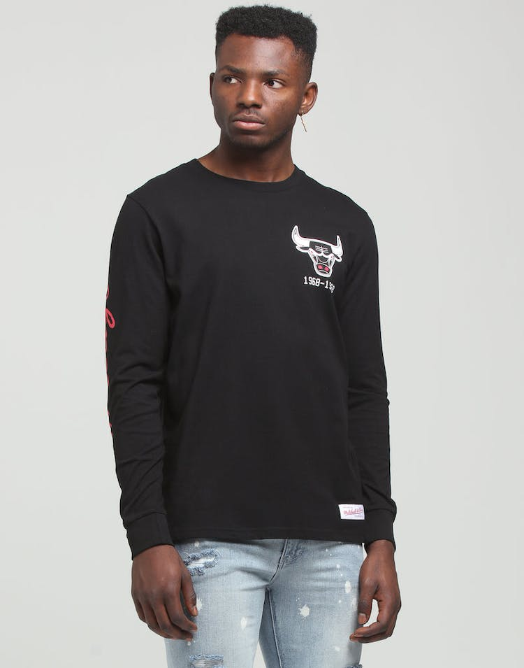 Mitchell & Ness Chicago Bulls Wordmark LS Tee Black