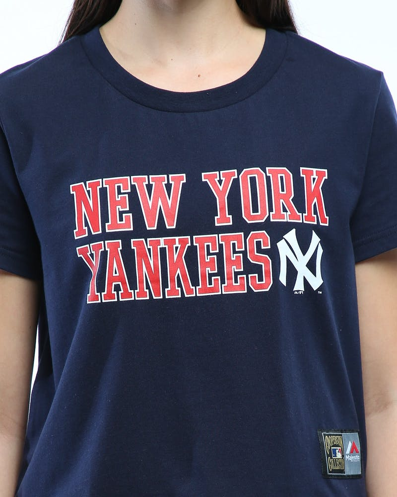 Majestic Athletic Women's New York Yankees Fedora Cropped Tee Navy