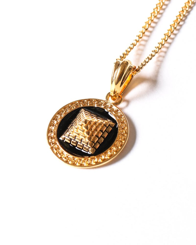Pyramid Pendant Chain Gold/black