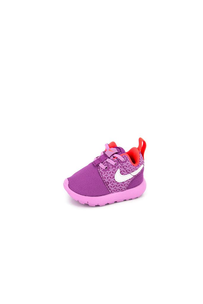 Nike Roshe One (2c 10c) InfantToddler Kids' Shoe.