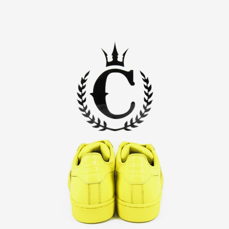 Superstar Pharrell Yellow